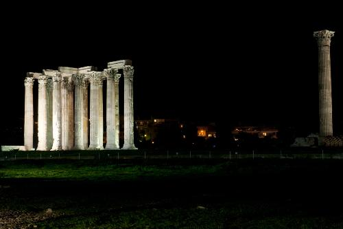 Night view of the Temple of Zeus in Athens, Greece.