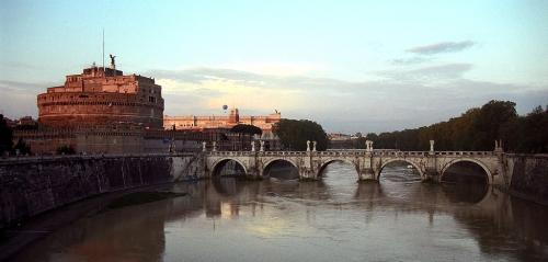 The Ponte Sant'Angelo at dusk.