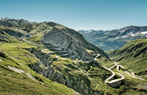 The Long and Winding Road to the Gotthard Pass