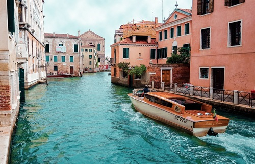 Quiet places in crowded Venice, Italy: Castello