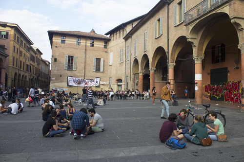 Piazza Verdi at lunchtime