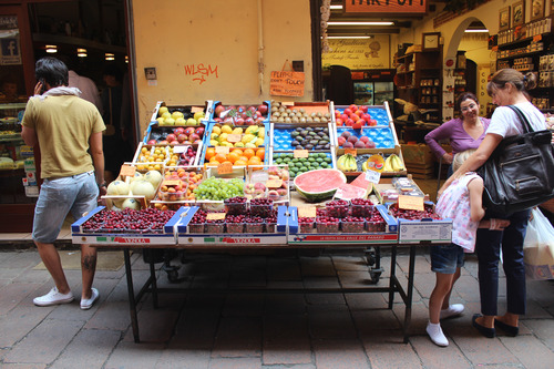 A fruit vendor on Via Peschiere Vecchie
