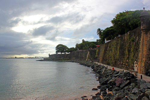 Paseo del Morro hugs the west side of the city walls.