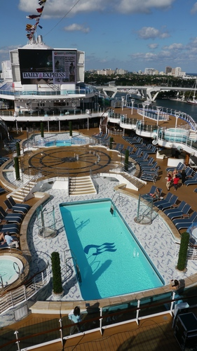 The Fountain Pool and the Plunge Pool, Royal Princess