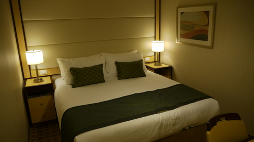 Stateroom decor (inside cabin), Royal Princess