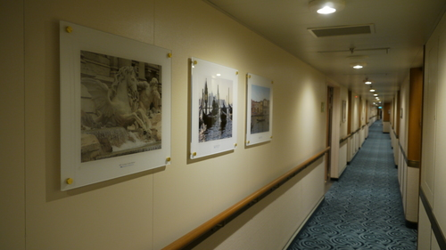 Corridor photographs by previous Princess passengers, Royal Princess