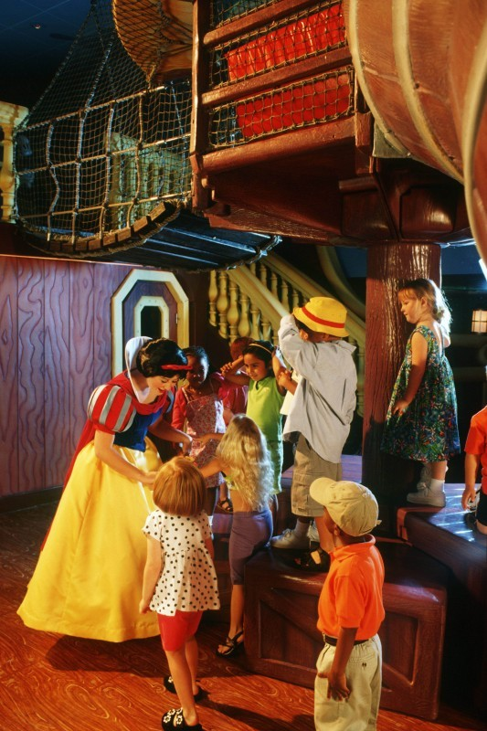 Snow White charms kids at the Oceaneer Club. Photo: Disney Cruise Line