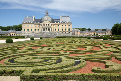 The Gardens At Cau De Vaux Le Vicomte