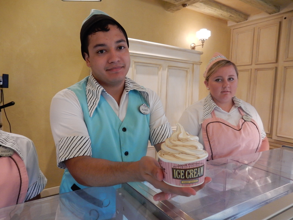 Wizarding World of Harry Potter, Diagon Alley, Florean Fortescue's Ice Cream Parlour, Butterbeer ice cream