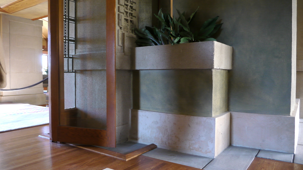 Planter, Hollyhock House