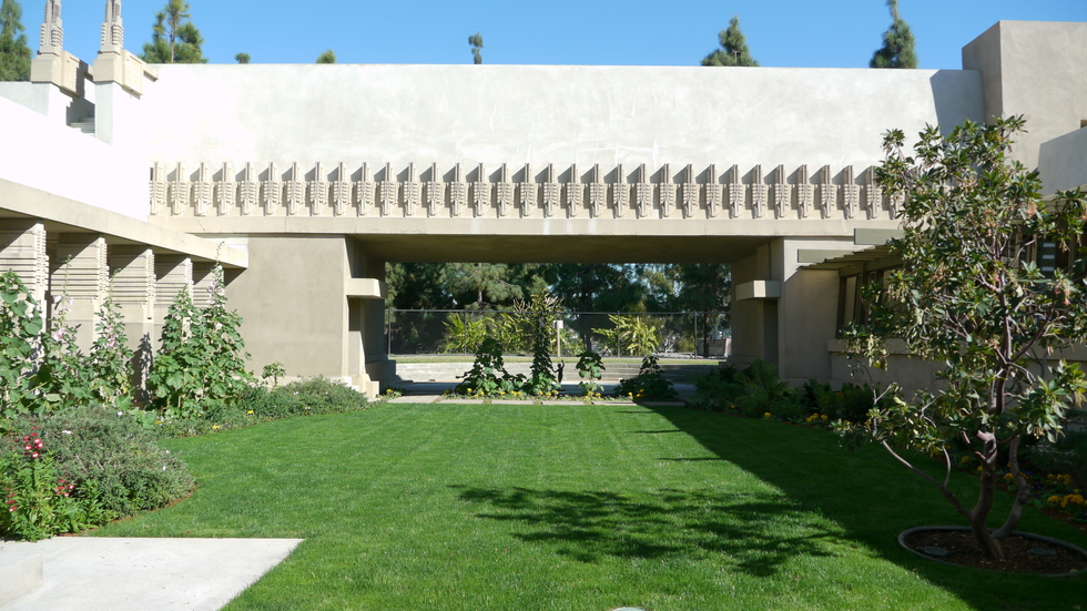 Courtyard of Hollyhock House