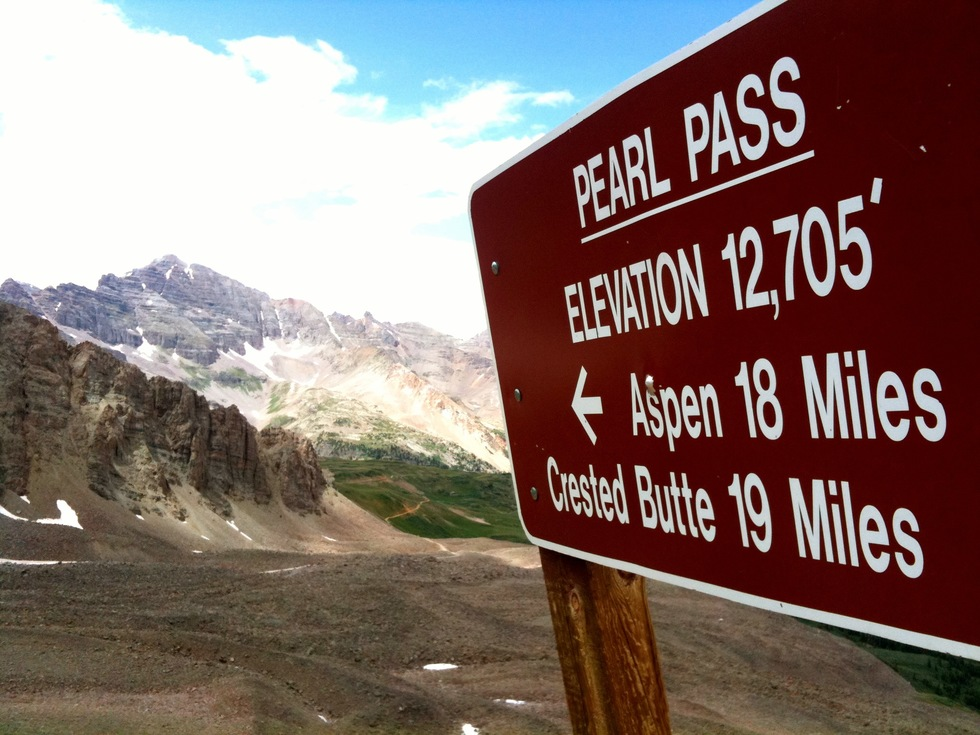 A photo of a sign on Pearl Pass
