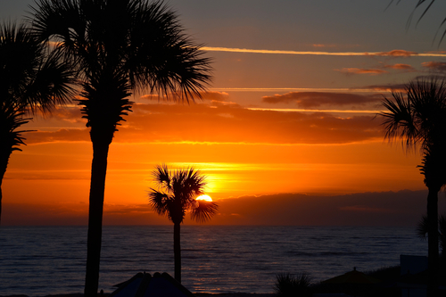 Golden sunrise on the Atlantic from the shore of Jekyll Island