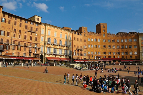 People crowded in Siena's Piazza del Campo