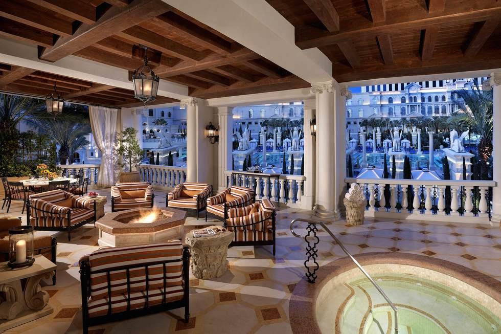 Las Vegas 10 Swankiest V I P Hotel Suites