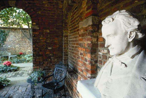 Raven Trekking Edgar Allan Poe S Richmond Virginia