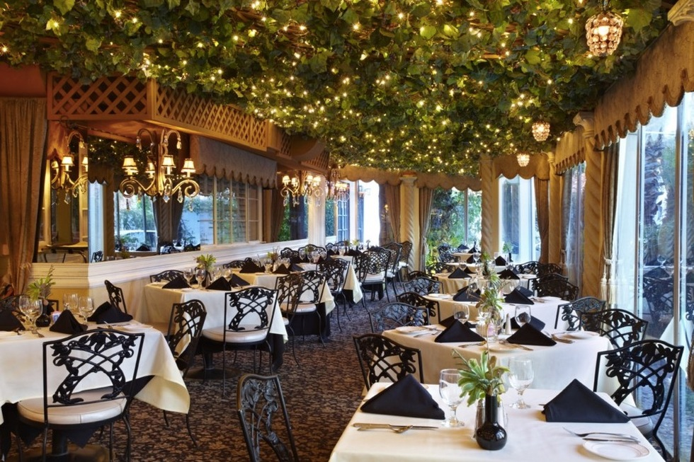 200 W. Ramon Road, Palm Springs: Melvyn's Restaurant