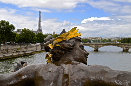 French Tourism Still Struggling, Extravagant Holiday Offerings at Luxury Hotels: Today's Travel Briefing: Today's Travel Briefing | Frommer's