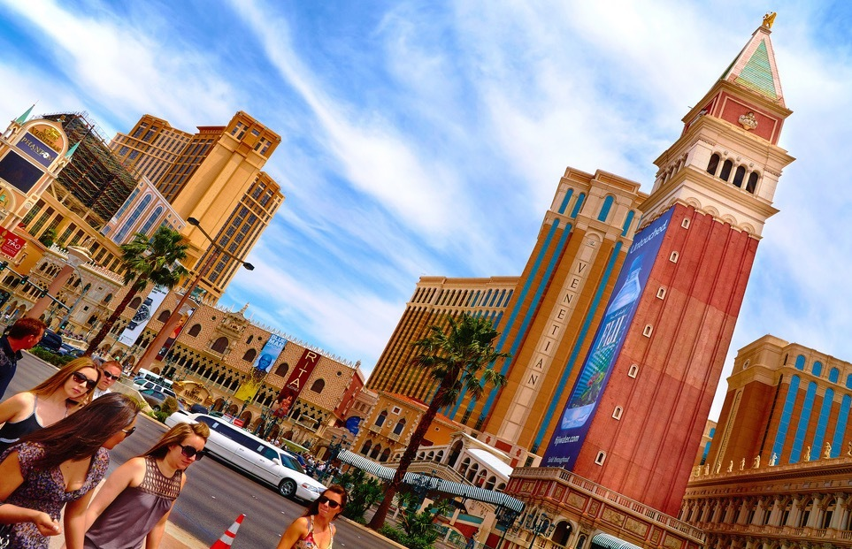 All the Las Vegas Hotels' Resort Fees—So You'll Know the Actual Price of a Stay