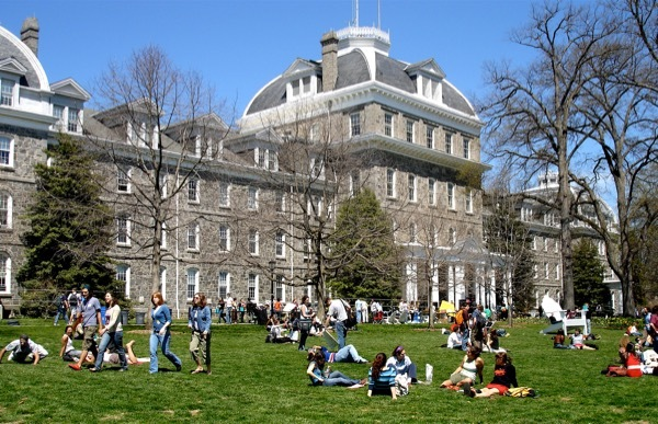 Students on the lawn of Swarthmore University in Pennsylvania
