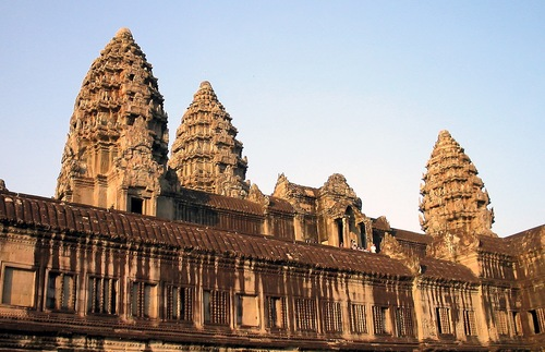 Price Hike and Dress Code at Angkor Wat, Bestsellers at Airports, and More: Today's Travel Briefing | Frommer's