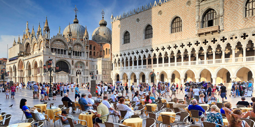 7 Popular Tourist Traps — and Where to Go Instead | Frommer's