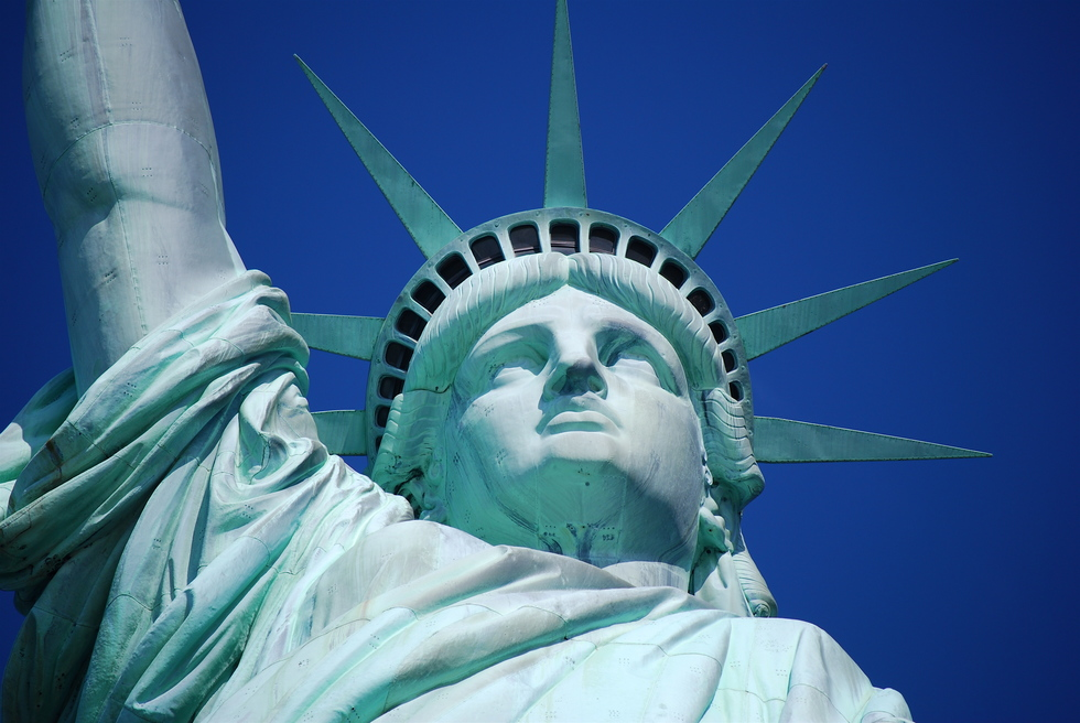Arthur Frommer: Are We Hypocrites to Visit the Statue of Liberty? | Frommer's