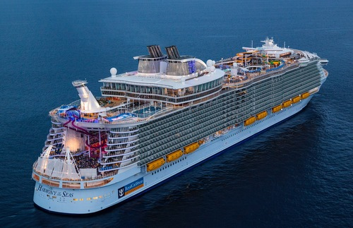 What I Learned Aboard The Worlds Biggest Cruise Ship - Rocking cruise ship