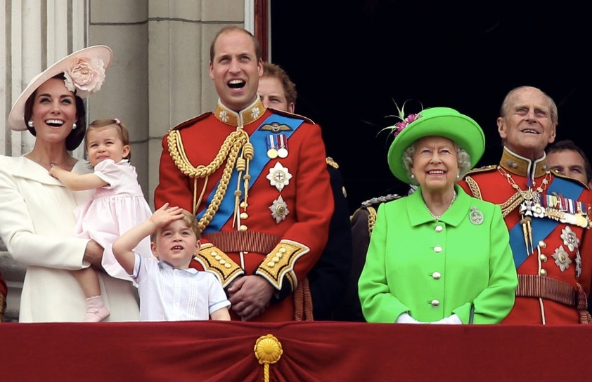 Queen Elizabeth II on Buckingham Palace balcony with family