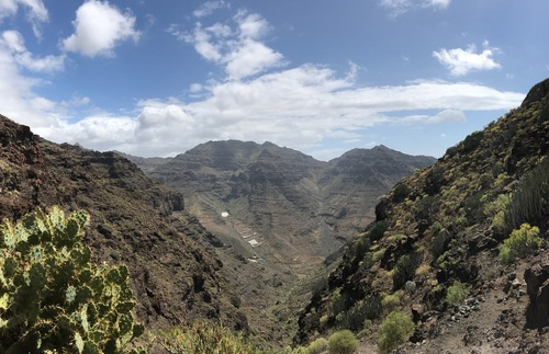 The hike to Güi Güi Beach, Gran Canaria