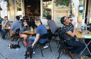 Eating outside in Williamsburg, Brooklyn