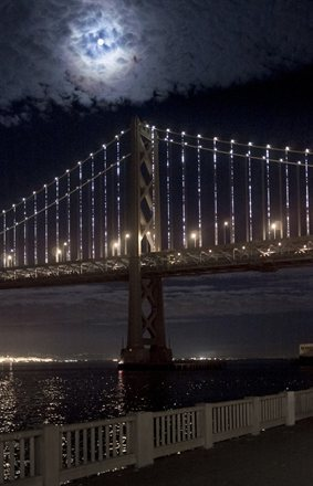 San Francisco's Bay Lights Are a New Tourist Attraction and Hotels Take Notice | Frommer's