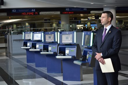 New Kiosks Cut Border Control Waits By a Third, But Your Airport Must Ask for Them | Frommer's