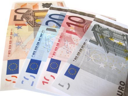 A New Monopoly on European Airport ATMs Means Lousy Exchange Rates for Travelers | Frommer's