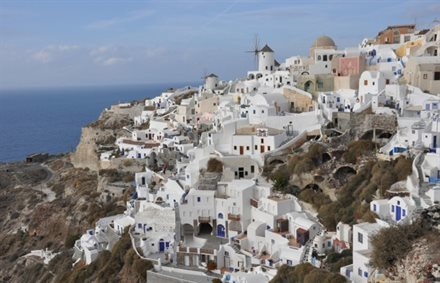 Santorini to Limit Cruise Visitors | Frommer's