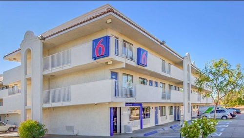 Motel 6 Accused of Sending Guest Lists to ICE | Frommer's