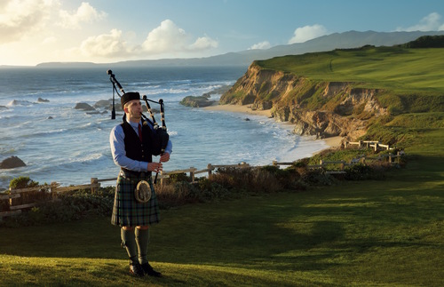 Ritz-Carlton Half Moon Bay Resort: Sunset bagpiper