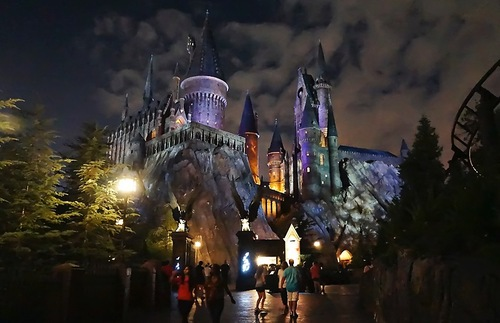 Universal Theme Parks Give Harry Potter a Holiday Makeover | Frommer's