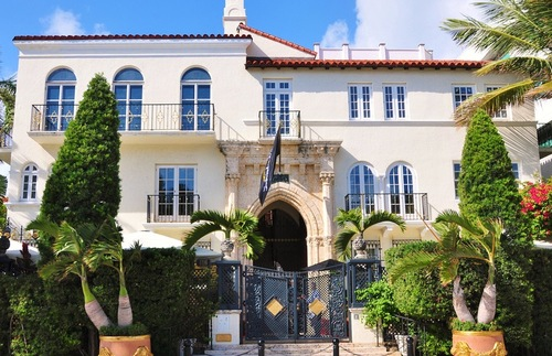 Villa Casa Casuarina in Miami Beach