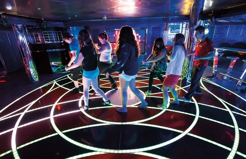 Club O2 for teens on Carnival Horizon
