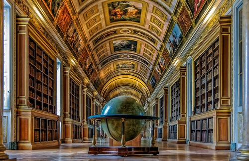 Library of Château de Fontainebleau in France