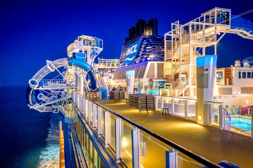 The Norwegian Bliss See Its Clubs Private Pools And Yes Racecars