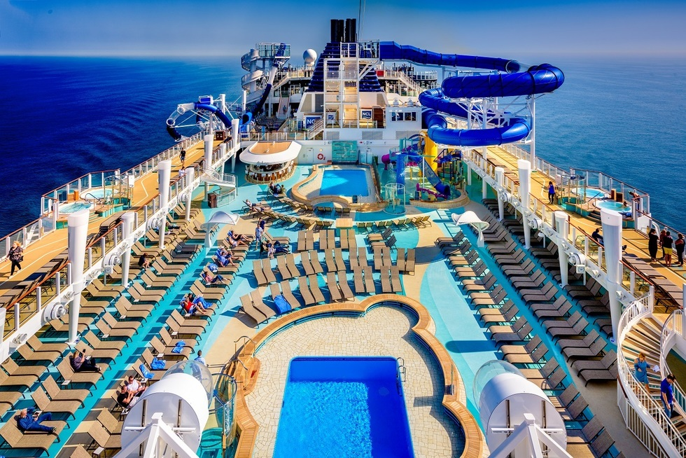 Norwegian Bliss: pool