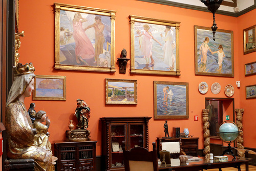 See Sorolla's famous paintings of the Mediterranean inside the artist's house, now the Museo Sorolla.