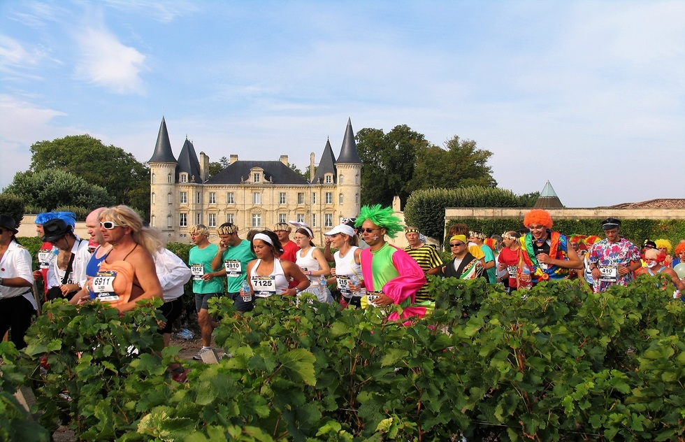 Wine Tasting Tour Experiences: Running in Bordeaux, France