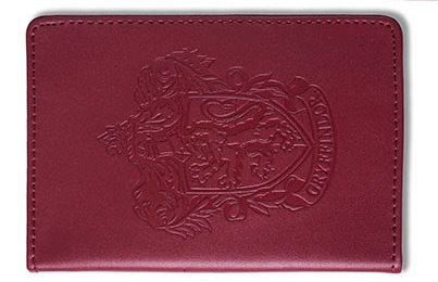 Great Travel Gift Ideas: Hogwarts passport holder