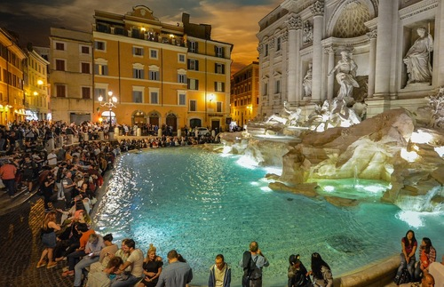 New Rules in Rome Target Rowdy, Boozy Tourists | Frommer's