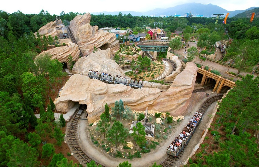 Hong Kong Disneyland's Big Grizzly Mountain Runaway Mine Cars