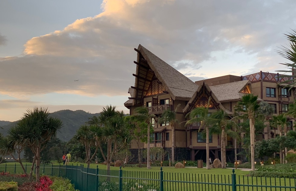 Hong Kong Disneyland's Disney Explorers Lodge