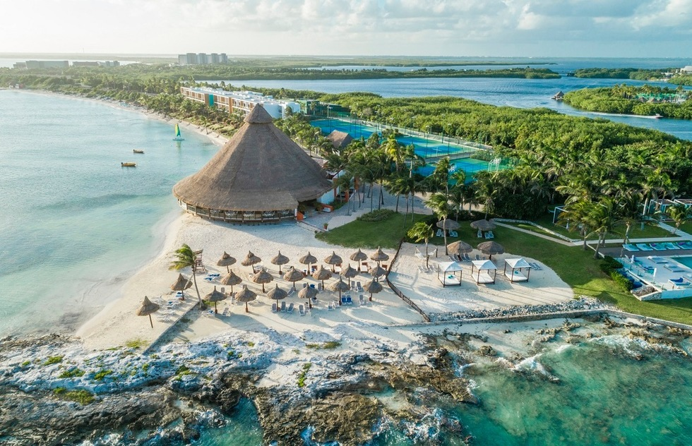 Best resorts for families in the Caribbean and the Bahamas: Club Med Cancun Yucatan, Mexico
